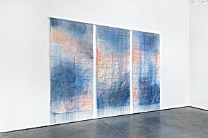Aurora Passero, Diver, hand woven, hand dyed nylon, steel tubes, 2020, 314 x 424 cm